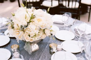 romantic-winery-wedding-outdoor-wedding-venues-ivory-centerpieces.original